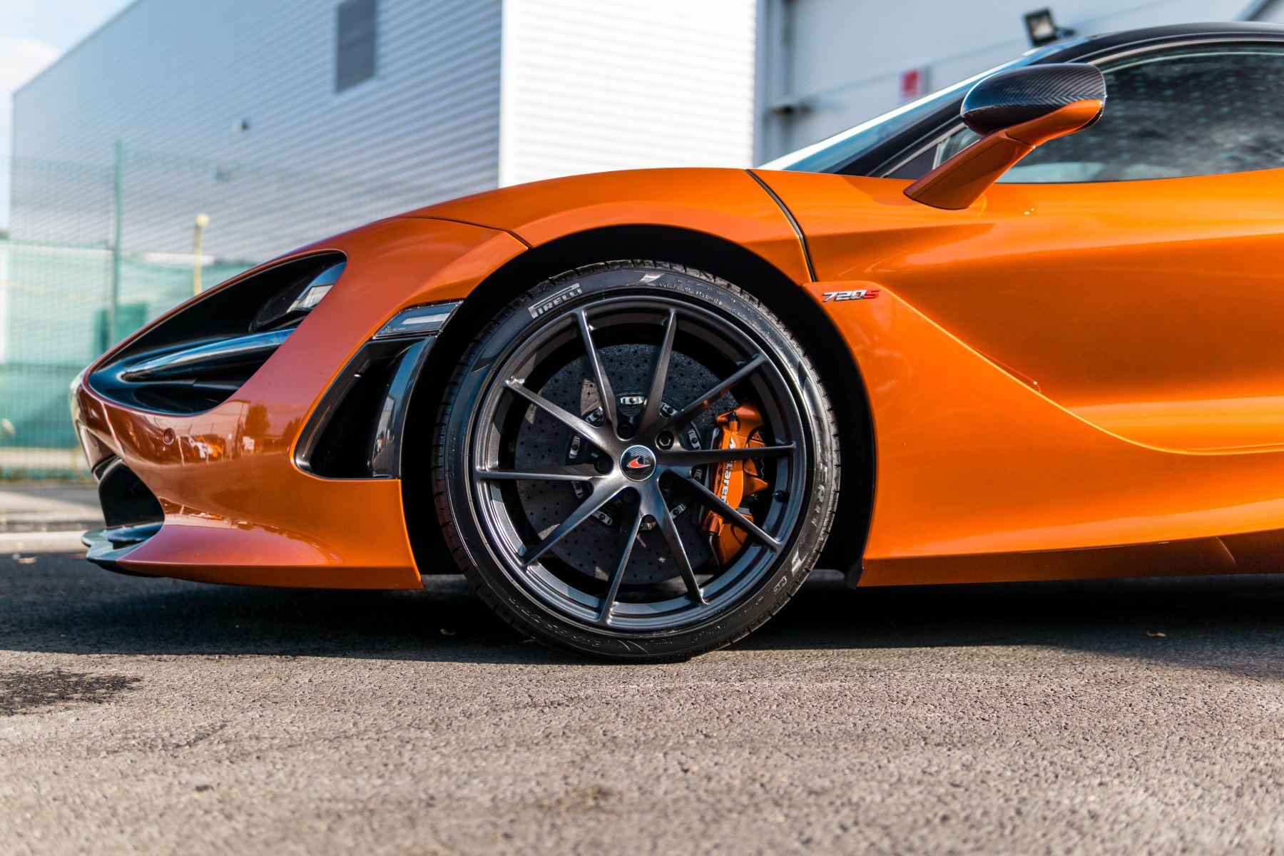 McLaren 720S V8 2dr SSG PERFORMANCE image 17